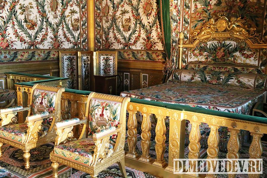 Фонтенбло, спальня императрицы, кровать Марии-Антуанетты