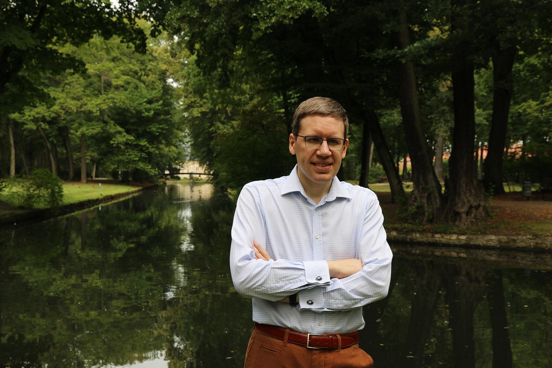 Медведев Дмитрий Львович 14
