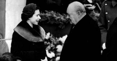 Черчилль и королева Елизавета II
