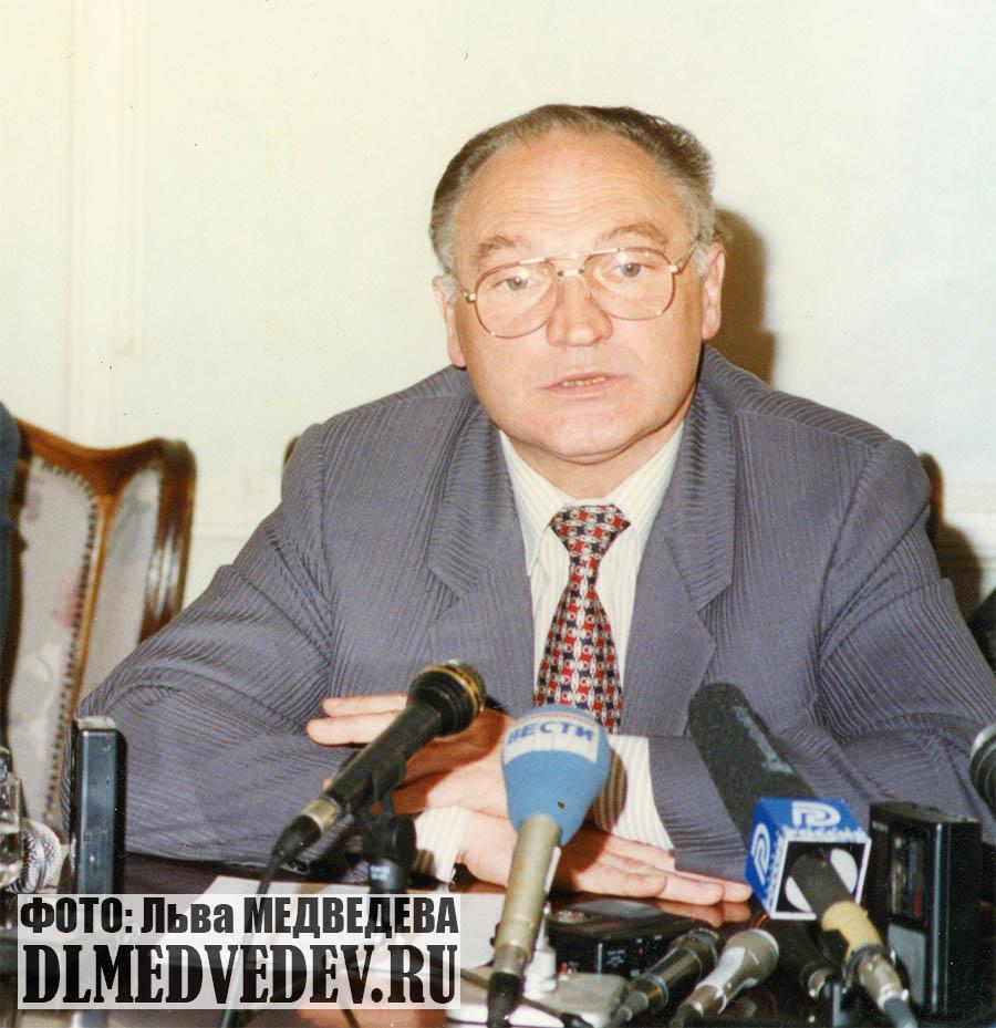 Булгак Владимир Борисович в Доме журналистов фото Льва Леонидовича Медведева