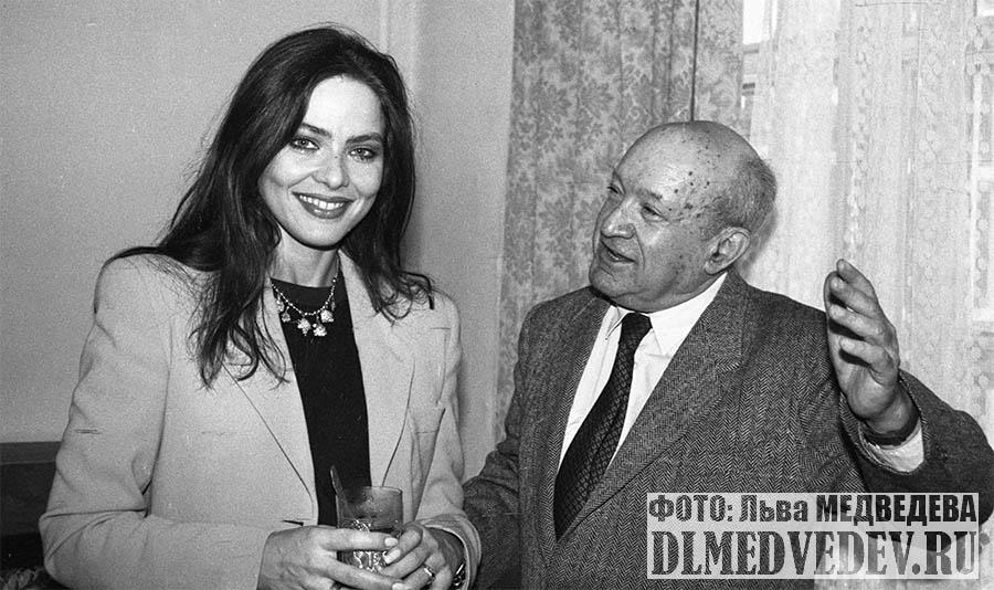 Орнелла Мути и поклонники, фото Льва Леонидовича Медведева