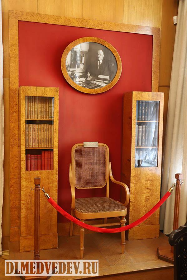 Рабочее кресло Ленина в 1918-1922 годах на заседаниях СНК